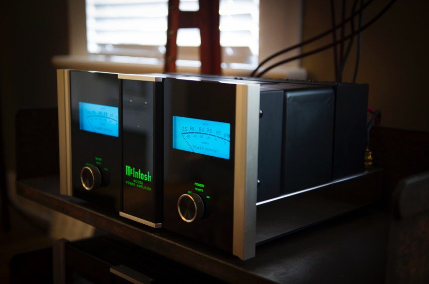 McIntosh MC252 Power Amp